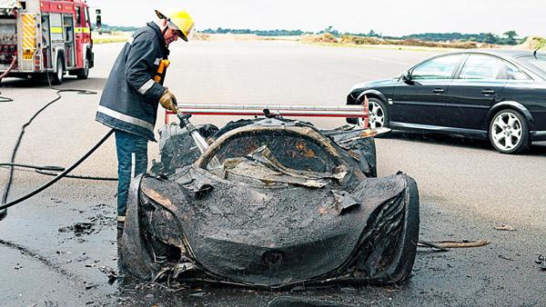 作为极少见的、可以上赛道进行测试的概念车,风籁在2008年年初发布之后,便给当年的汽车媒体增添了不少谈资,但是在2008年末的时候,著名汽车杂志TopGear在测试风籁的时候,这辆备受关注的概念车却燃起神秘的大火自焚了,当风籁的残骸被运回马自达加州设计工作室之后,这辆车就彻底消失在了所有人的的视线里