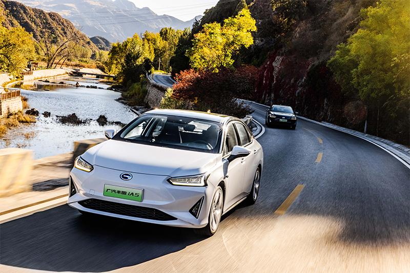谈到一台高品质纯电家用轿车,我们需要的是什么?