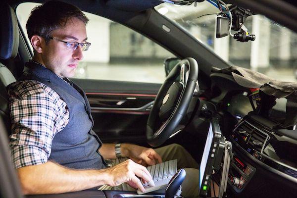 正在测试的宝马7系自动驾驶原型车