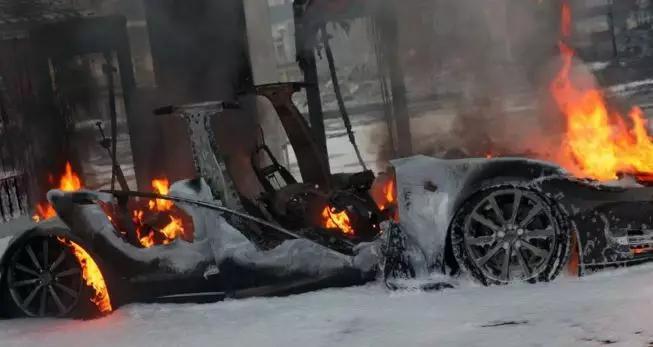 2015年,挪威,充电中自燃的特斯拉Model S