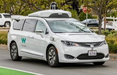 加州批准自动驾驶汽车载客运行,乘客需超过18岁