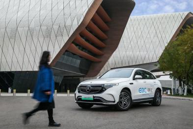 打破刻板印象,奔驰EQC纯电SUV的传承与创新之旅