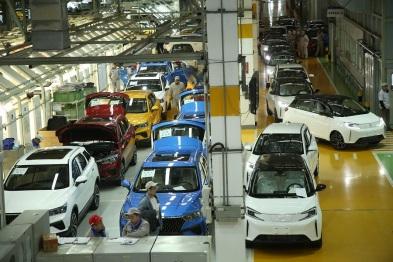 首批新特DEV1在一汽长春工厂下线,计划12月15日完成4000台交付
