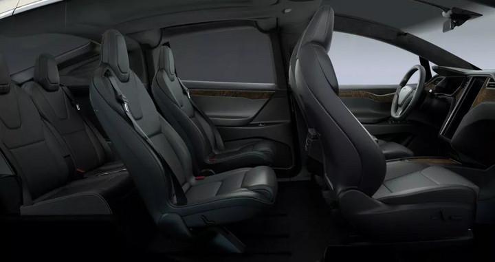 现款 Model X 座椅