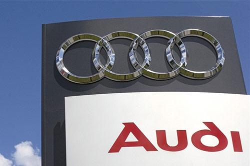 昨日,奥迪全球、一汽集团与奥迪经销商联会在北京举行会谈。双方围绕着《三亚声明》的五点诉求进行了磋商,三方都同意,在销量达到90万之后才重启与上汽合作。