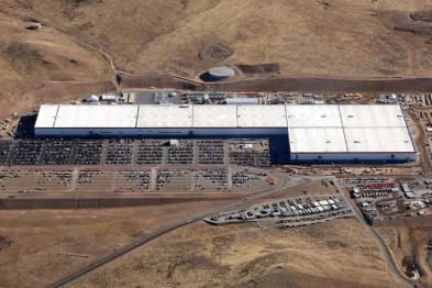 特斯拉1号超级工厂雇员超3000名,成全球最大电池工厂