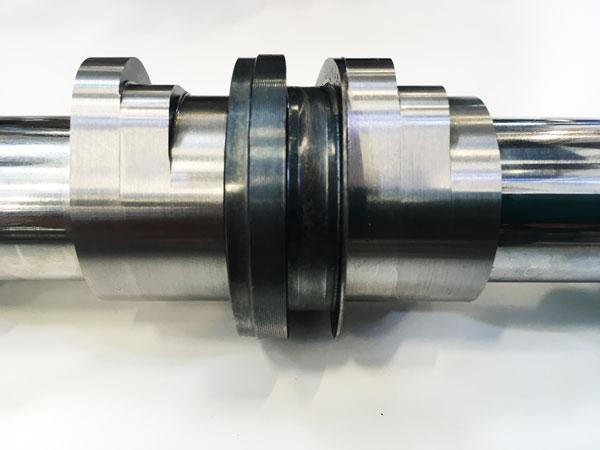 负责2、3缸的进气端凸轮轴,有高低零三个升程设计。