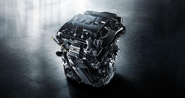 1.6THP发动机(涡轮从1000RPM时即可提供工作压力,几乎是同类型发动机中涡轮对发动机转速最低的要求) 此外,东风标致也把一个5速手动的变速箱,单独配给了1.2T/1.6L的车型,以争取那些喜欢驾驶乐趣或者预算不多的消费者。 在全新308的细节方面,东风标致也花了很多心思去取悦那些审美观越来越挑剔的市场评论家们用老套路去打牌肯定是不行了,譬如之前的老款308上甚至都无法放倒后排座椅的设计,必须要改改!
