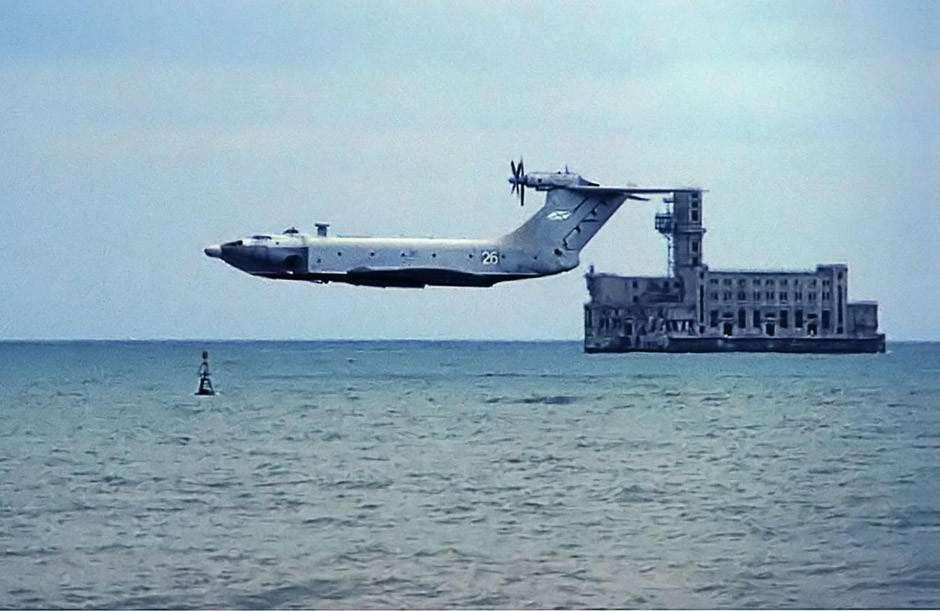前苏联小鹰两栖地效飞行器