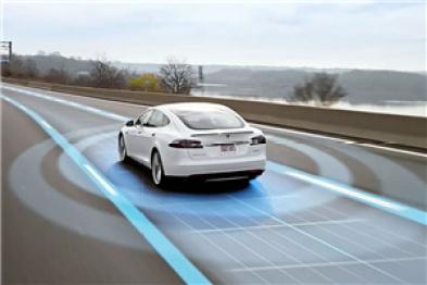 特斯拉Autopilot技术分析:系统为何不能100%识别静止障碍物?