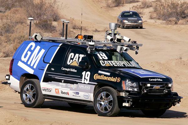 通用联合卡内基梅隆大学共同开发的Tahoe无人驾驶汽车