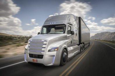 戴姆勒年内将在德国测试自动驾驶卡车