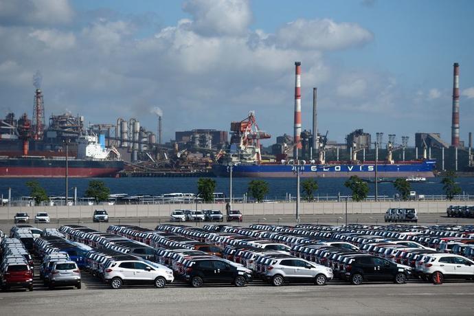 运往名古屋港口的车辆
