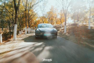 了不起的车 | 特斯拉Model 3 Autopilot自动辅助驾驶功能体验