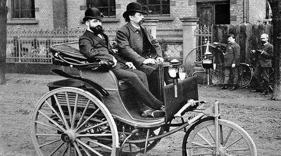 卡尔·本茨 发明的早期的燃油汽车