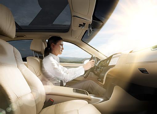 智能玻璃可根据不同的交通状况自动进行动态调节