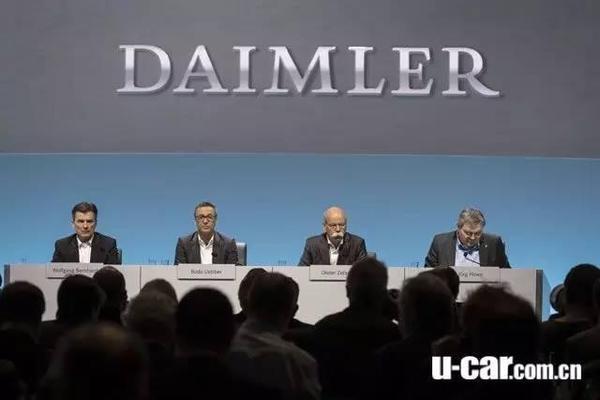 外媒引述的来源指出,戴姆勒集团旗下的员工曾向当局表示企业高层透过作弊,在柴油引擎的排污检验报告中作假。