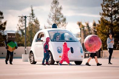 谷歌无人车测试:识别奇怪万圣节着装的儿童