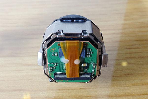 SONY运动摄像机上的光学防抖原件