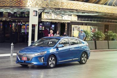 现代Ioniq自动驾驶车首秀,搭载低成本方案欲量产 | CES2017
