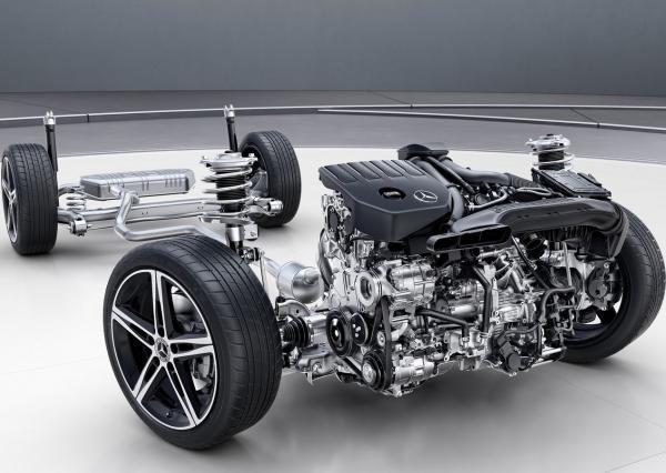 奔驰A级三厢版基于第二代MFA平台打造