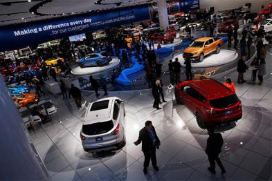 全球车企将在电动汽车上投资至少900亿美元,问题是谁买呢?