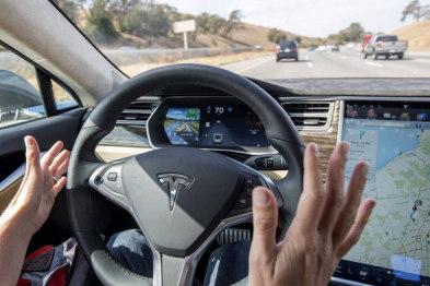 特斯拉优化Autopilot,提升驾驶舒适性