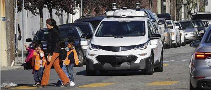 加州将容许近程监控无人车:测试车内不用配司机
