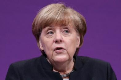 默克尔首次承认德国也将禁售汽油\柴油车