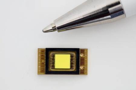 德机构研发出智能高分辨率LED前照灯