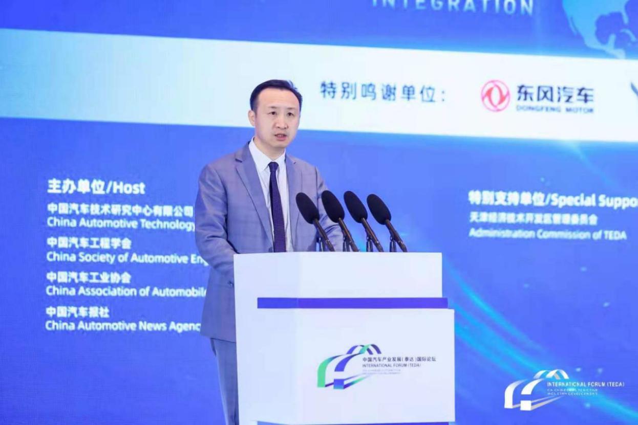 浙江零跑科技股份有限公司联合创始人、董事、总裁  吴保军