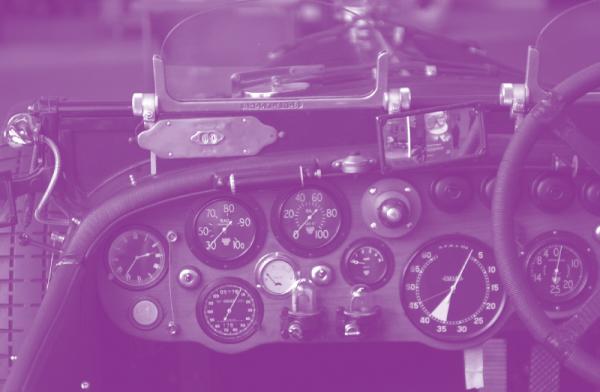 宾利 Blower 的仪表盘(图片来源:Sergey Eremin)