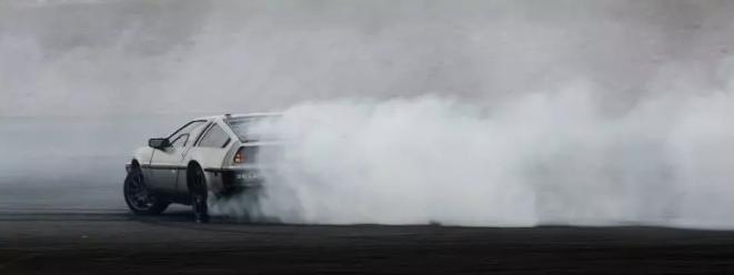 图1:自动漂移测试中的 MARTY 车辆