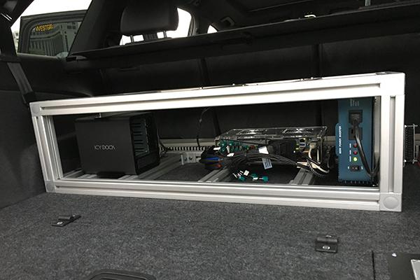 """搭载了NVIDIA DRIVE PX 2的奥迪人工智能汽车,后备箱中的""""控制中枢""""体积已经大幅减小"""