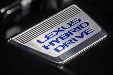 聪明的买车人 | 为何说UX比卡罗拉双擎更预示混动普及?卡叔:260h黄金排量 蓝河:混动价值