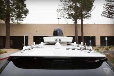 谷歌克莱斯勒合作的首批Pacifica自动驾驶车现身加州山景城