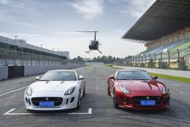 Jaguar F-TYPE  Coupé:贴地飞行的两种模式