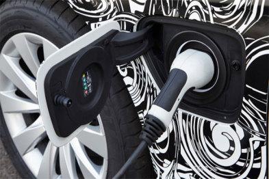 宝马日产促进在全美建设电动车公共充电网络