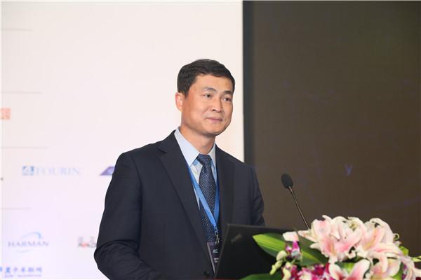 吴建会,车载信息服务产业应用联盟理事长