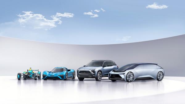 自左至右:蔚来Formula E赛车、EP9电动超跑、ES8量产SUV、EVE概念车