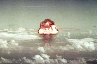 """""""核武器""""之战:解析比亚迪与特斯拉电池电控技术"""