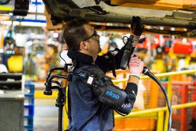 福特利用一种新的外骨骼来减轻工人的疲劳