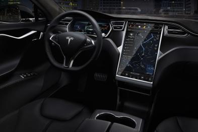 全球车企第一家:特斯拉车载神经网络电脑6个月内投产,算力增加5-20倍