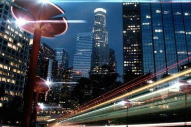 Totem路灯变身能提供WiFi的汽车充电桩