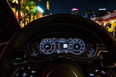 """奥迪A4/Q7正式搭载交通灯信息系统,首次凭借V2I技术""""同步读秒"""""""