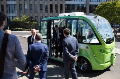 澳大利亚无人驾驶巴士完成一年试运行