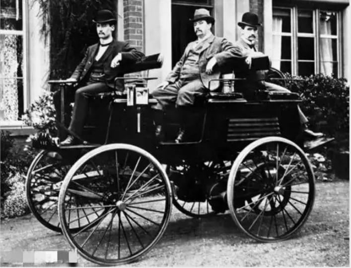 1884年生产的第一辆量产电动车