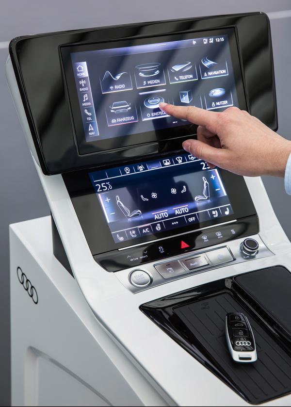 车机屏幕控制起来的难度远比控制手里的PAD屏幕难多了