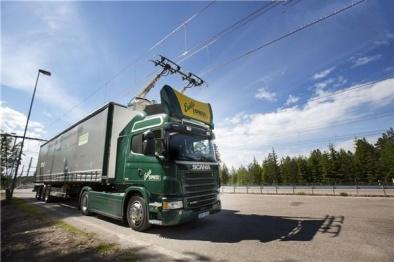 西门子设计了全球首条只允许电动车通行的高速公路「eHighway」