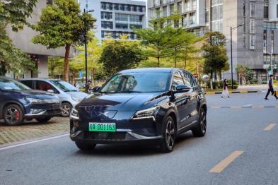 小鵬汽車摘得首張新能源汽車專用號牌,步入新發展階段